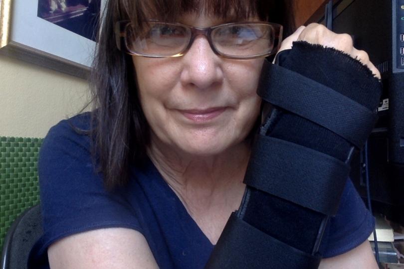 Stacy Horn, Broken Wrist